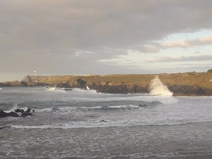 La Xunta activa la alerta naranja este domingo por temporal costero en A Coruña y Lugo y por vientos en la Mariña