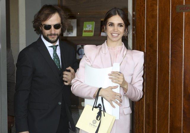 Elena Furiase y Gonzalo Sierra bautizan a su pequeño Noah arropados por el clan