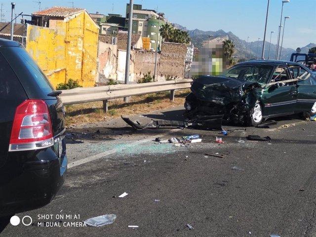 Valencia.- Sucesos.- Cuatro personas hospitalizadas tras sufrir un accidente en