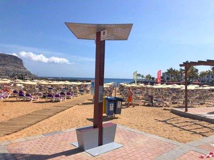 Mogán (Gran Canaria) instala estaciones de carga ecológica para smartphones en dos playas