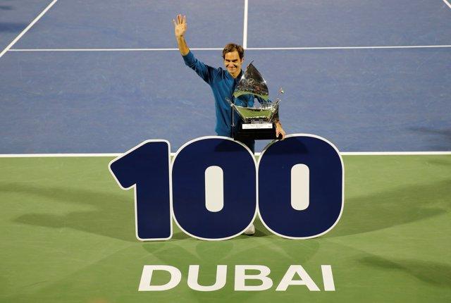 Federer gana su título número 100