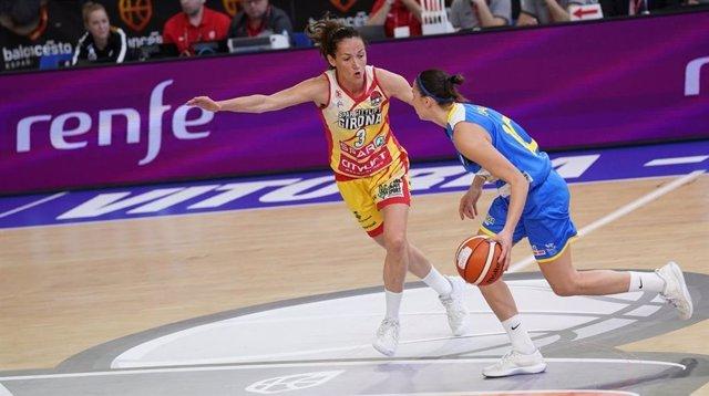 Laia Palau, en un partido con el Spar CityLift Girona