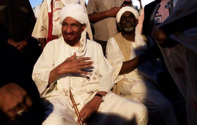Sadiq al Mahdi, líder opositor en Sudán