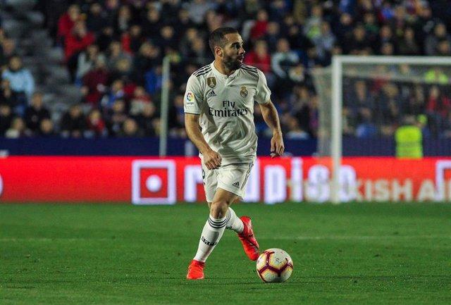 Soccer: La Liga - Levante v Real Madrid