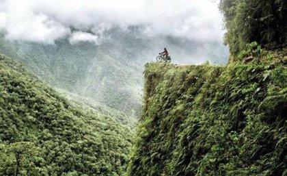 La Carretera de la Muerte en Bolivia, el enigmático camino hacia el fin del mundo