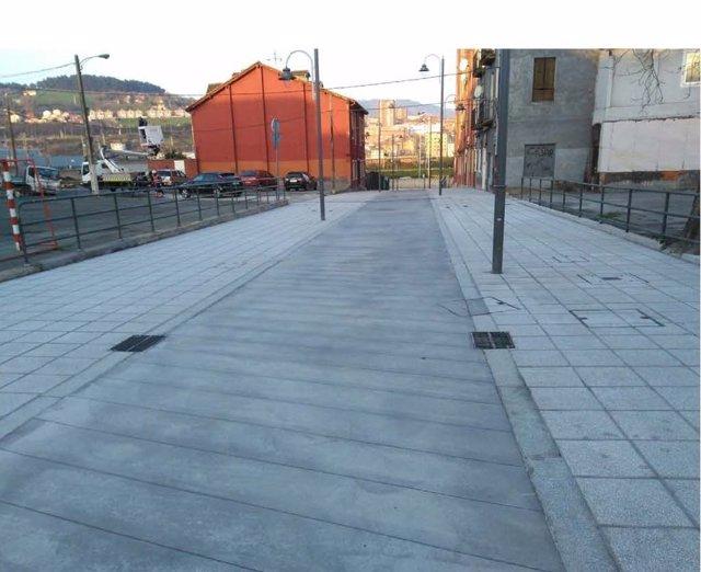 El Ayuntamiento de Bilbao reabre la calle Barinaga tras invertir 435.000 euros e