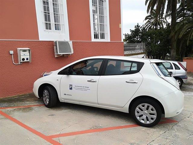 Coche eléctrico de Parques y Jardines del Ayto de Málaga contaminación carbono