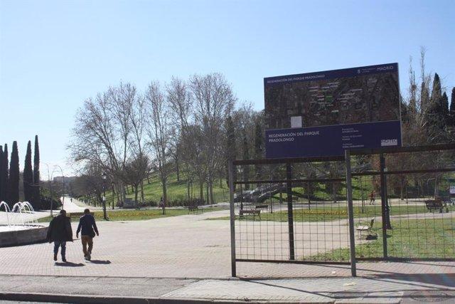Empieza La Rehabilitacion Del Parque De Pradolongo Tras Ser Consensuado Con La Junta De Usera Y Colectivos Vecinales
