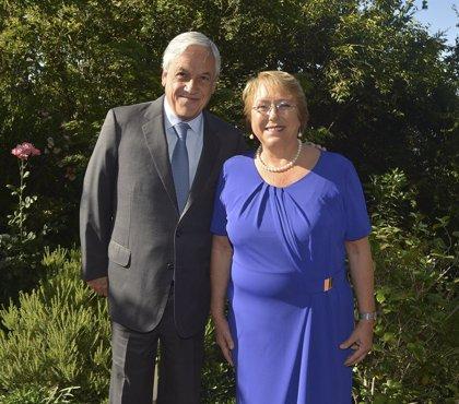 """Piñera reprocha a Bachelet que todavía no haya condenado """"la dictadura de Maduro"""""""