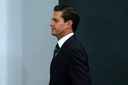 Un grupo de militantes del PRI pide la expulsión del expresidente Peña Nieto del partido
