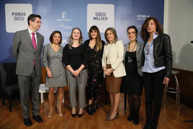 Martínez, Tolón y Rozalén en el I foro de Igualdad de Toledo 'SER MUJER'