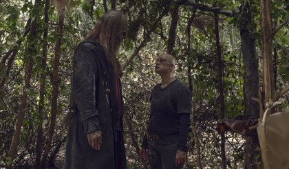 The Walking Dead 9x12 muestra a la Alpha más cruel y presenta a Beta, su mano derecha en Los Susurradores