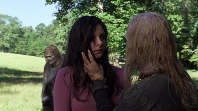 """""""Violencia Gratuita"""" Y """"Asquerosa"""": Fans De The Walking Dead Reaccionan A La Bru"""