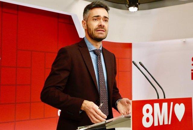 El portavoz adjunto del Grupo Socialista, Felipe Sicilia, en declaraciones a med