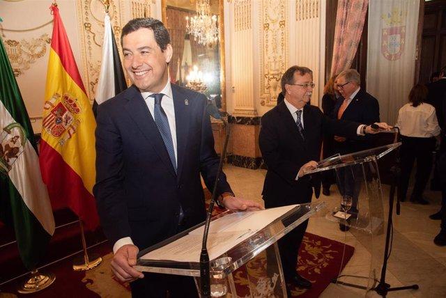El presidente de la Junta, Juanma Moreno, se reúne con el presidente de la ciuda