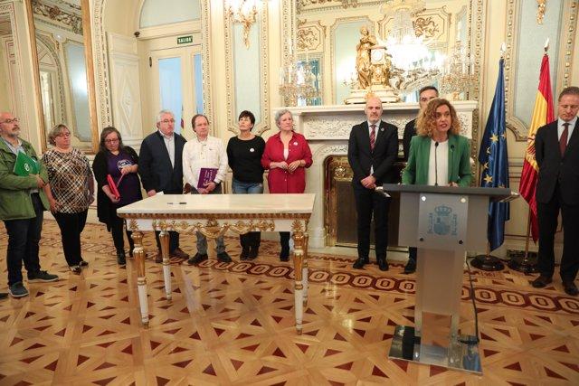 El Gobierno firma el IV convenio único para el personal laboral y acuerdos para la Administración General del Estado