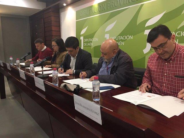 Jaén.- MásJaén.- Acuerdo con los sindicatos en Diputación para acercar el sueldo