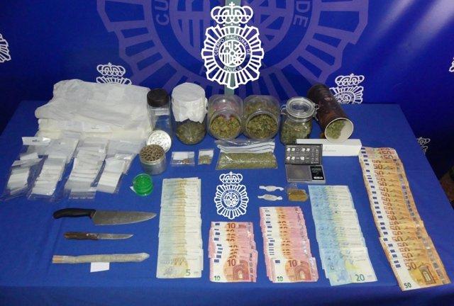 Tres detenidos en el desmantelamiento de un punto de venta de droga en Salamanca