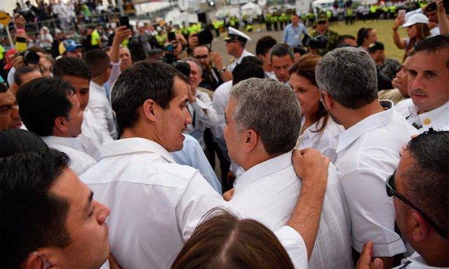 El presidente colombiano, Iván Duque, con Juan Guaidó