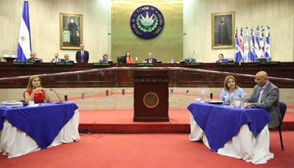 El Congreso de El Salvador retira la inmunidad a un juez acusado de agredir sexualmente a una menor