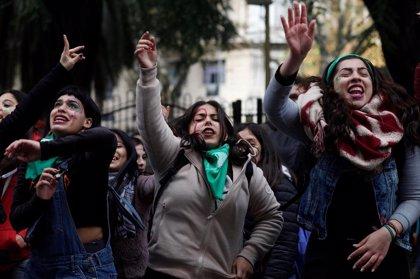 Un grupo de líderes mundiales advierte de que el aumento del populismo erosiona los derechos de las mujeres