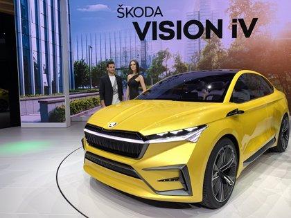 Skoda da un paso más hacia la movilidad eléctrica con el Vision iV y la bicicleta Klement
