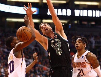 El peor equipo de la NBA amarga el debut de Gasol con los Bucks