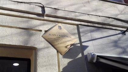 Madrid homenajea con una placa a Juan Cristóbal, autor de la estatua del Cid en Burgos y del Goya de San Isidro