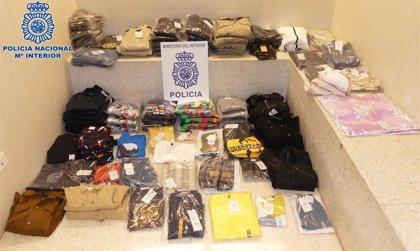 Detenidos dos hombres en Logroño por robar ropa en la empresa de transporte en la que trabajaban