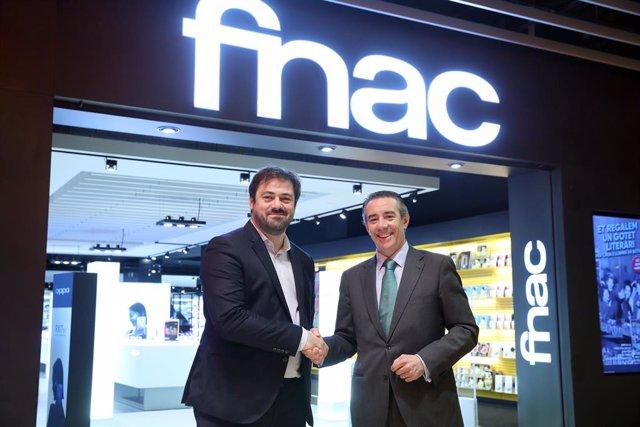 Fnac i CaixaBank signen per primera vegada una 'Joint Venture'