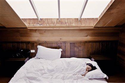 Sueño, alimentación, ejercicio físico y estrés: así afectan al peso