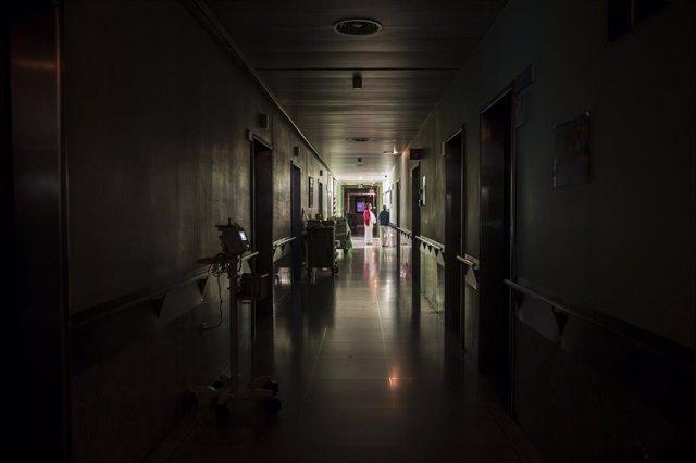 Infermeres de planta de l'Hospital Universitari Vall d'Hebron en el torn de noc