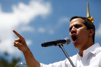 """Guaidó mantiene una reunión con funcionariosde Venezuela y denuncia que """"están secuestrados por la dictadura"""""""