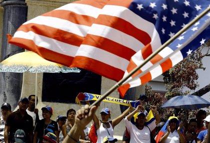 """EEUU """"está estudiando"""" imponer nuevas sanciones contra Venezuela para aumentar la presión sobre Maduro"""