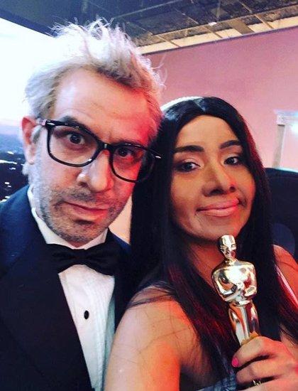 """Califican de """"racista"""" al programa de parodia de 'Televisa' tras la imitación de la actriz Yalitza Aparicio"""