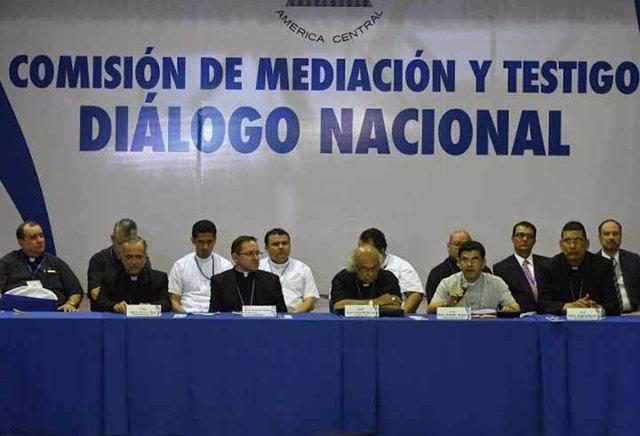 """El Gobierno de Nicaragua y la oposición aprueban la """"hoja de ruta"""" para  superar"""