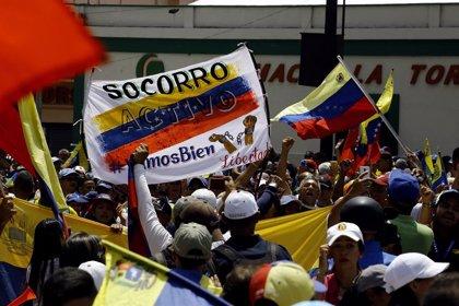 """Bachelet denuncia la """"espiral"""" de crisis, protestas y represión en Venezuela, """"exacerbada por sanciones"""""""