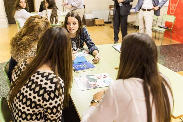 Més de 3.600 alumnes participaran al programa del Collegi de Periodistes i