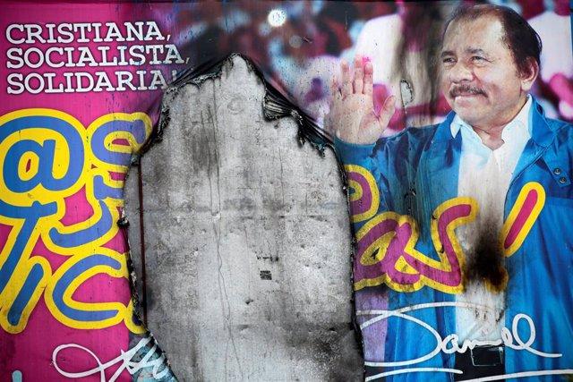Un cartel con la imagen del presidente de Nicaragua, Daniel Ortega