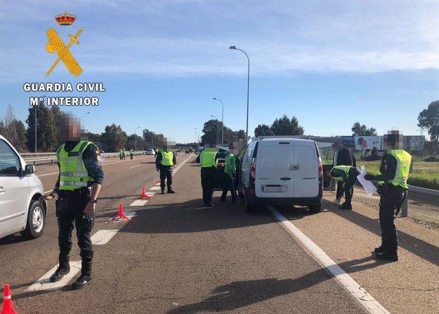 """[Cáceres] Nota De Prensa: """" La Guardia Civil Detiene A Un Pacense Con Diferentes"""