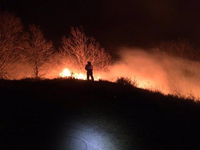 Incendios.- Activos seis de los 15 últimos incendios provocados en Cantabria y f