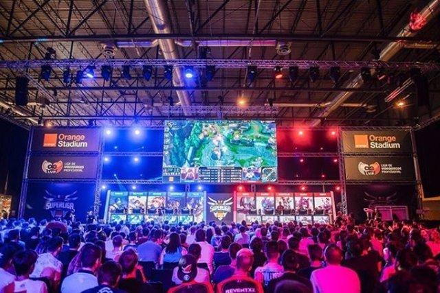 A Espanya hi ha 2,6 milions d'afeccionats als eSports i solament el 29% són muje