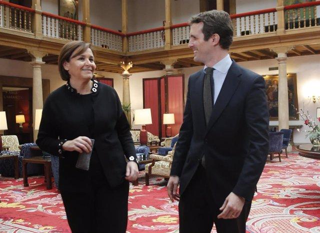 Firma del acuerdo entre el Partido Popular y Foro Asturias para las elecciones g