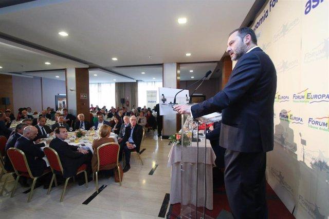 José Luis Ábalos, participa en un desayuno de 'Fórum Europa. Tribuna Andalucía'