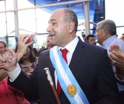 Denuncian públicamente a un gobernador y varios funcionarios argentinos por impedir el aborto legal una niña de 11 años