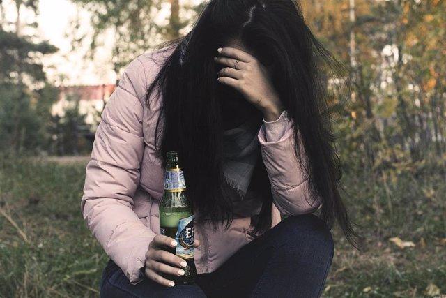 Alrededor del 20% de las mujeres que acuden a tratamiento por adicciones lo hace