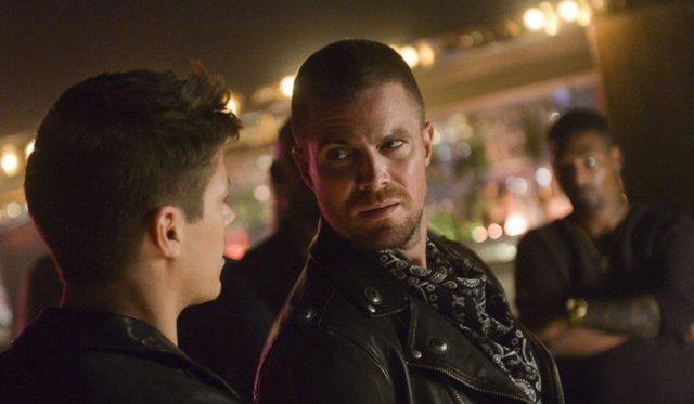 ¿El Fin De Arrow Adelanta Que Oliver Queen Morirá En Crisis En Las Tierras Infin