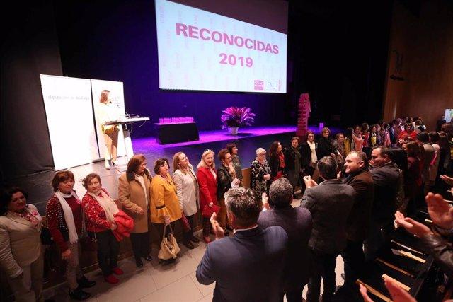 Málaga.- La Diputación de Málaga premia a mujeres y entidades por su trabajo en