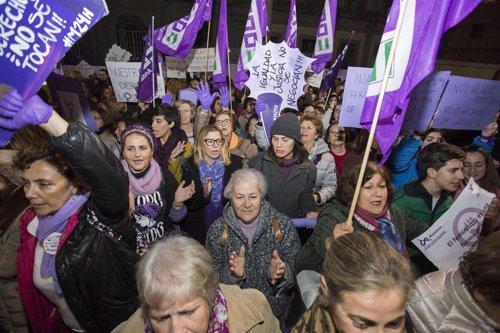 Manifestación feminista en Huelva