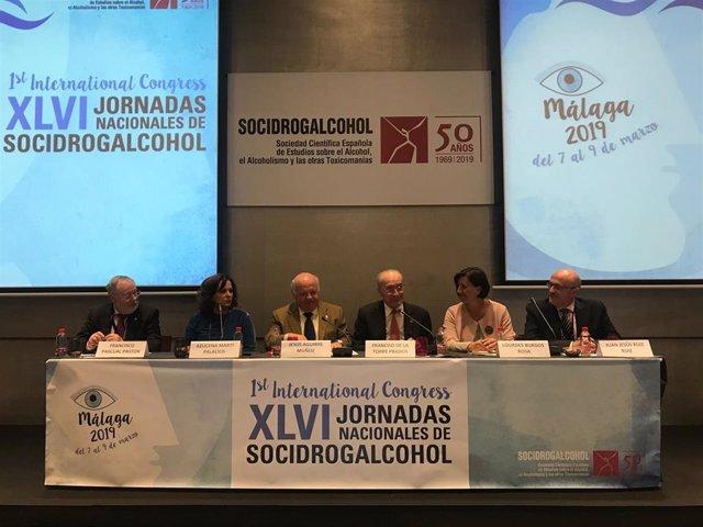 Aguirre asegura la atención a las adicciones en la inauguración del Congreso y l